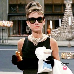 Tiffany ha deciso di semplificare la questione della colazione più famosa  della storia del cinema. Non è più necessario che i fan arrivino alle  vetrine del ... 7e580b535ce1
